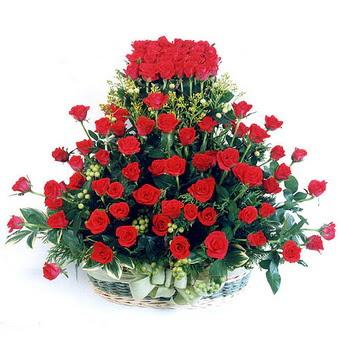 Kars internetten çiçek satışı  41 adet kirmizi gülden sepet tanzimi