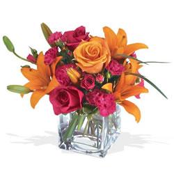 Kars çiçek online çiçek siparişi  cam yada mika Vazo içerisinde karisik mevsim çiçekleri