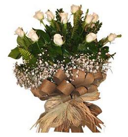 Kars anneler günü çiçek yolla  9 adet beyaz gül buketi