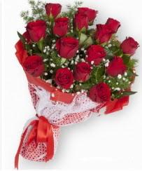 11 adet kırmızı gül buketi  Kars çiçek gönderme