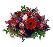 Kars yurtiçi ve yurtdışı çiçek siparişi  sepette mevsim çiçekleri
