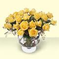 Kars anneler günü çiçek yolla  11 adet sari gül cam yada mika vazo içinde