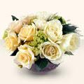 Kars çiçekçiler  9 adet sari gül cam yada mika vazo da  Kars cicek , cicekci