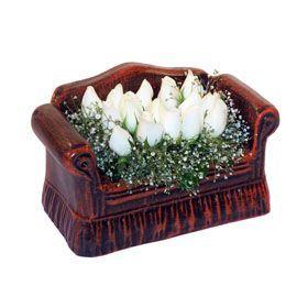 seramik içerisinde 11 gül  Kars çiçek mağazası , çiçekçi adresleri