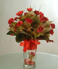 yapay güllerden vazo  9 gül  Kars çiçekçi telefonları