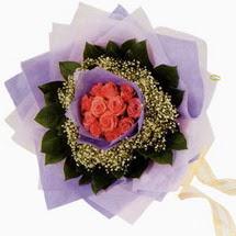 12 adet gül ve elyaflardan   Kars kaliteli taze ve ucuz çiçekler