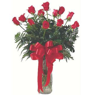 12 adet gül cam içerisinde  Kars çiçek gönderme