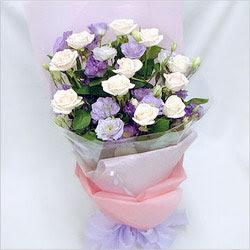 Kars yurtiçi ve yurtdışı çiçek siparişi  BEYAZ GÜLLER VE KIR ÇIÇEKLERIS BUKETI