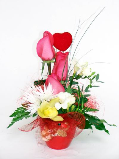 Kars çiçek servisi , çiçekçi adresleri  cam içerisinde 3 adet gül ve kir çiçekleri