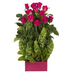 12 adet kirmizi gül aranjmani  Kars çiçek siparişi sitesi