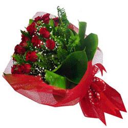 Kars internetten çiçek satışı  12 adet kirmizi essiz gül buketi - SEVENE ÖZEL
