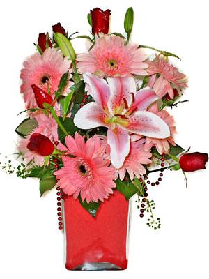 Kars çiçek yolla  karisik cam yada mika vazoda mevsim çiçekleri mevsim demeti