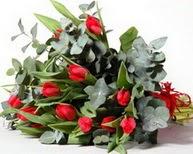 Kars hediye sevgilime hediye çiçek  11 adet kirmizi gül buketi özel günler için