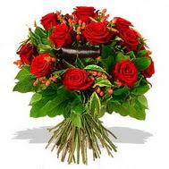9 adet kirmizi gül ve kir çiçekleri  Kars yurtiçi ve yurtdışı çiçek siparişi