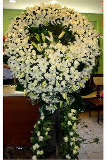 Cenaze çelenk , cenaze çiçekleri , çelengi  Kars hediye sevgilime hediye çiçek