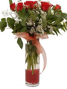 9 gül sevdiklerinize  Kars hediye sevgilime hediye çiçek