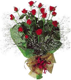 11 adet kirmizi gül buketi özel hediyelik  Kars kaliteli taze ve ucuz çiçekler