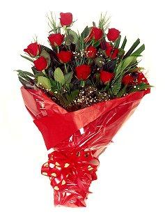 12 adet kirmizi gül buketi  Kars online çiçekçi , çiçek siparişi