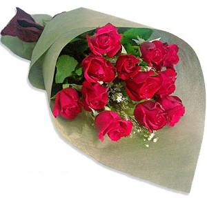 Uluslararasi çiçek firmasi 11 adet gül yolla  Kars çiçek siparişi sitesi