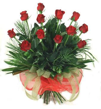 Çiçek yolla 12 adet kirmizi gül buketi  Kars çiçekçiler