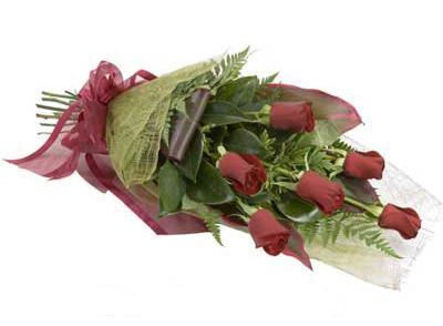 ucuz çiçek siparisi 6 adet kirmizi gül buket  Kars güvenli kaliteli hızlı çiçek