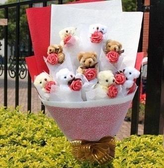 Kars İnternetten çiçek siparişi  9 adet ayicik ve 9 adet yapay gül