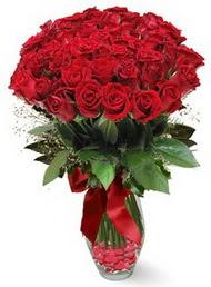 19 adet essiz kalitede kirmizi gül  Kars çiçek satışı