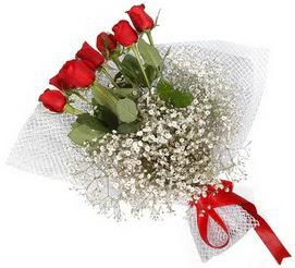 7 adet essiz kalitede kirmizi gül buketi  Kars ucuz çiçek gönder