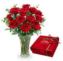 Kars kaliteli taze ve ucuz çiçekler  10 adet cam yada mika vazoda gül çikolata