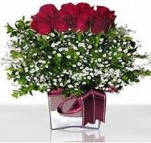 Kars yurtiçi ve yurtdışı çiçek siparişi  mika yada cam vazo içerisinde 7 adet gül