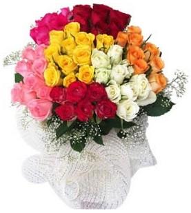 Kars anneler günü çiçek yolla  51 adet farklı renklerde gül buketi