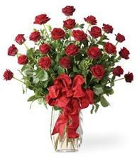 Sevgilime sıradışı hediye güller 24 gül  Kars çiçek satışı