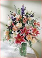 Kars çiçek yolla  Kaliteli vazoda mevsim çiçekleri
