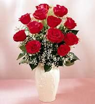 Kars kaliteli taze ve ucuz çiçekler  9 adet vazoda özel tanzim kirmizi gül