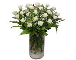 Kars internetten çiçek siparişi  cam yada mika Vazoda 12 adet beyaz gül - sevenler için ideal seçim