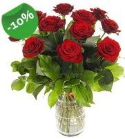 11 adet vazo içerisinde kırmızı gül  Kars çiçek gönderme sitemiz güvenlidir