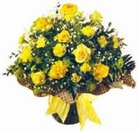 Kars çiçek online çiçek siparişi  Sari gül karanfil ve kir çiçekleri
