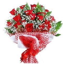 11 kırmızı gülden buket  Kars çiçek satışı
