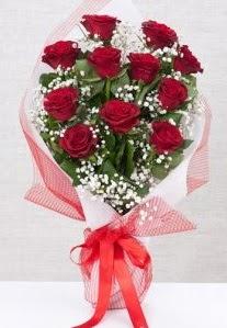 11 kırmızı gülden buket çiçeği  Kars çiçek satışı