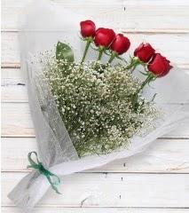 5 kırmızı gülden sade buket  Kars uluslararası çiçek gönderme