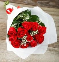 9 kırmızı gülden buket çiçeği  Kars 14 şubat sevgililer günü çiçek