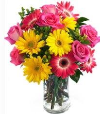 Vazoda Karışık mevsim çiçeği  Kars kaliteli taze ve ucuz çiçekler