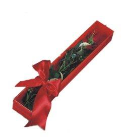 Kars hediye çiçek yolla  tek kutu gül sade ve sik