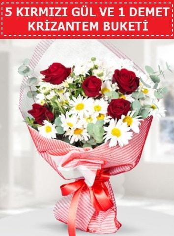5 adet kırmızı gül ve krizantem buketi  Kars hediye sevgilime hediye çiçek